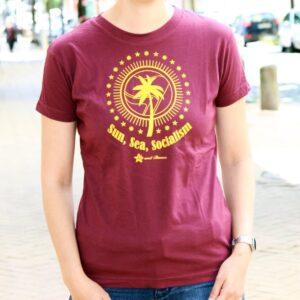 """""""Sun, Sea, Socialism"""" Tailliertes Shirt (bordeaux)"""